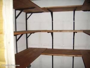 Советы по выбору готовых систем стеллажей для кладовок