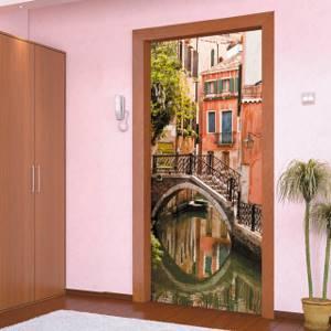 Фотообои на дверь: 8 советов по выбору и поклейке