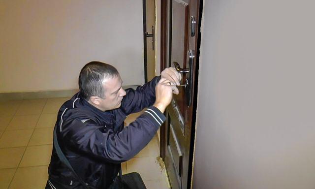 Застрял ключ в замке двери: как вытащить и что делать?