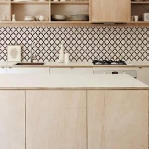 7 вариантов обоев для кухни. Какие обои можно поклеить на кухне.